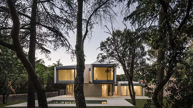 M4 House by Zooco Estudio
