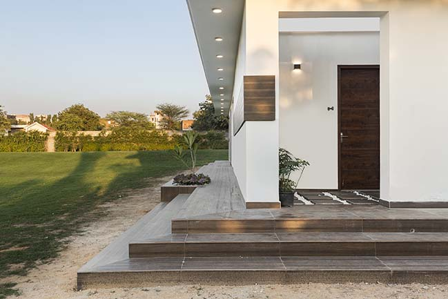 Outhouse by Delhi Collective