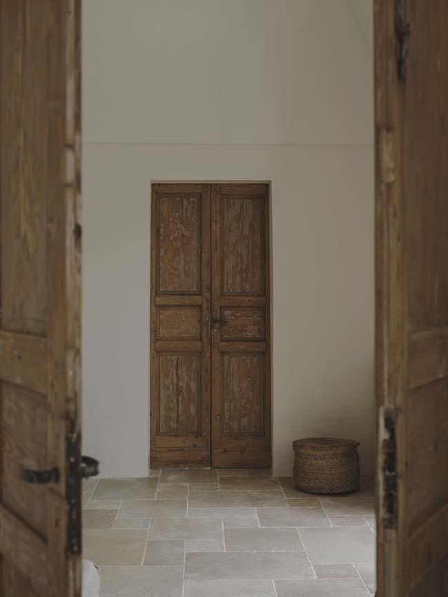 Villa Castelluccio by Studio Andrew Trotter