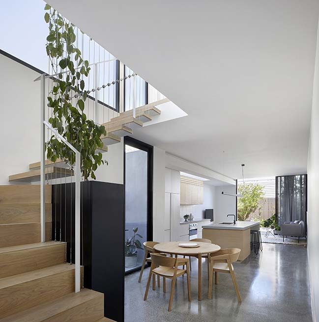 Cable House in Melbourne by Tom Robertson Architects