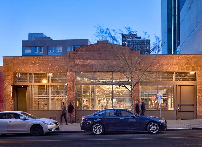 Lino Tagliapietra Glass Studio by Graham Baba Architects
