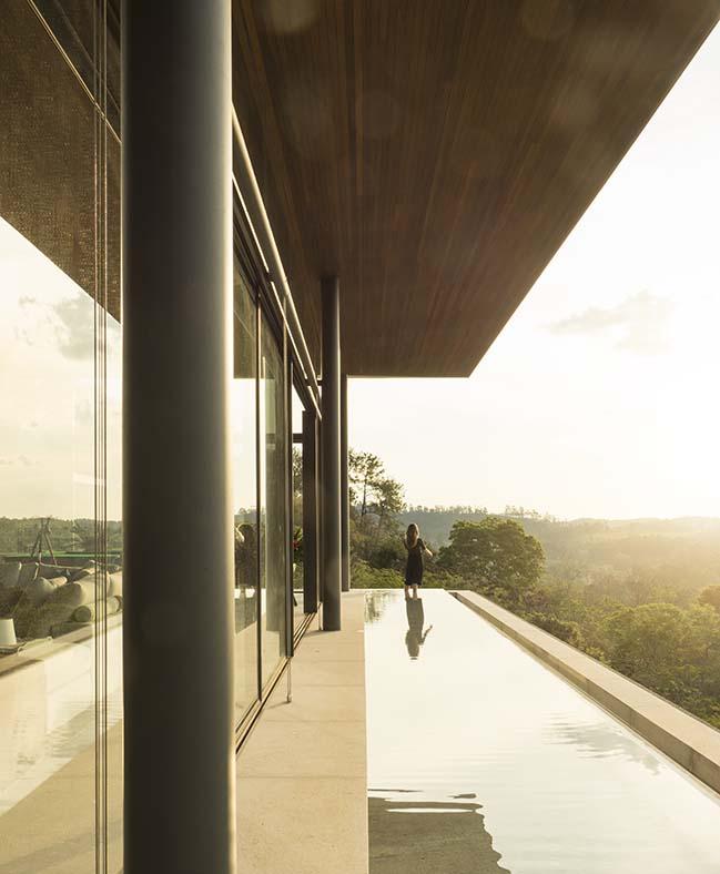 Bela Vista House by Bernardes Arquitetura