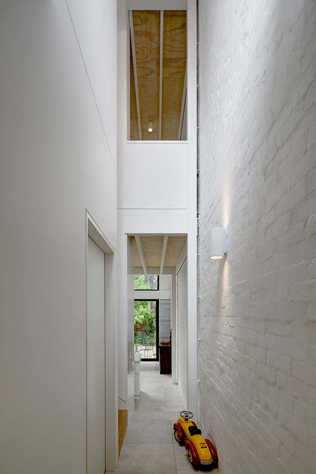 Brick Aperture House by Kreis Grennan Architecture