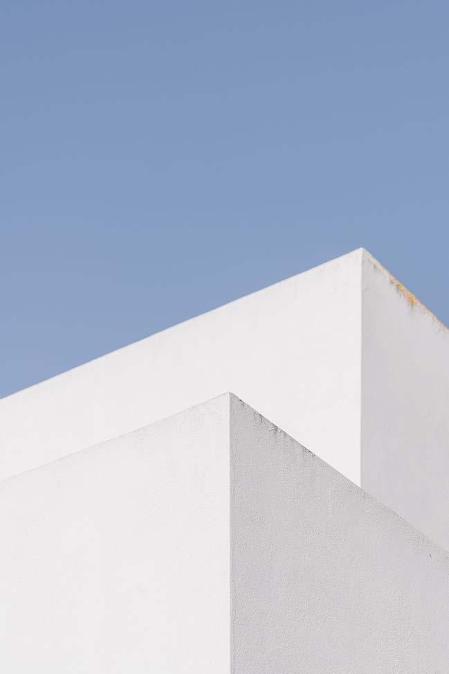 LH2 Weekend House by Motu Arquitectos