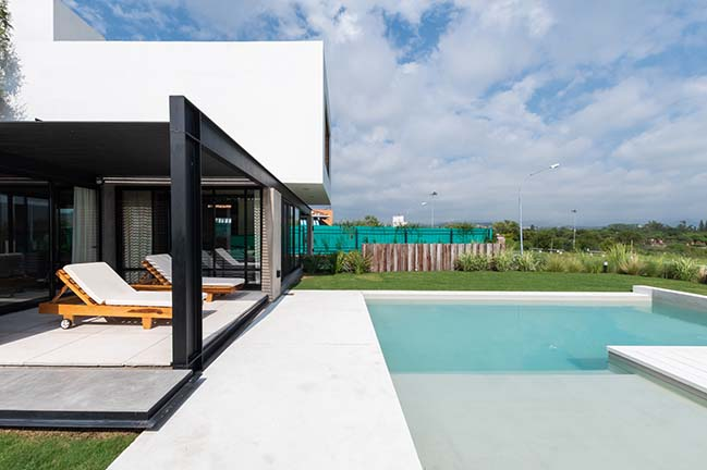 Cientocinco House by JAMStudio arquitectos