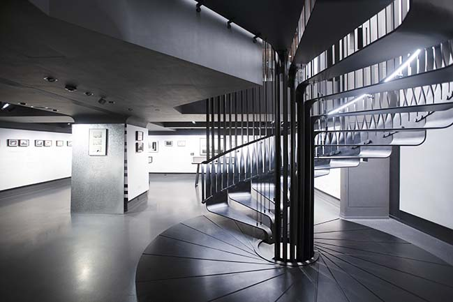 f22 foto space by LAAB Architects
