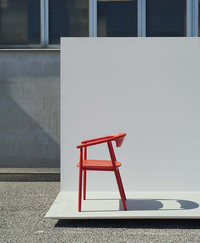 Foster + Partners' Mattiazzi Leva chair unveiled at Milan Design Week