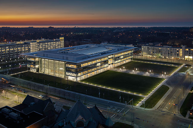 Foster + Partners completes new health pavilion in Cleveland