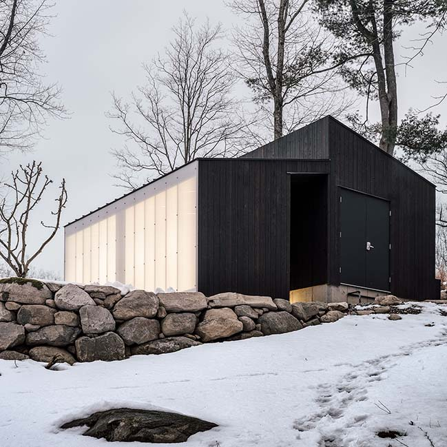 Small Wooden Pavilion by MQ Architecture