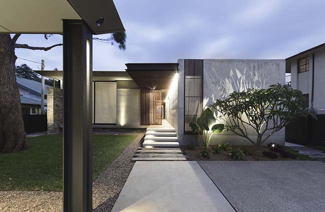 Beach House by Architecture Saville Isaacs
