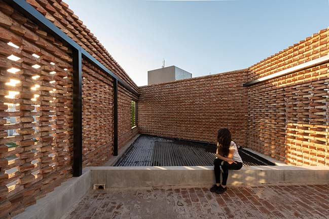 CH House in Córdoba by Luli Marcuzzi Arq