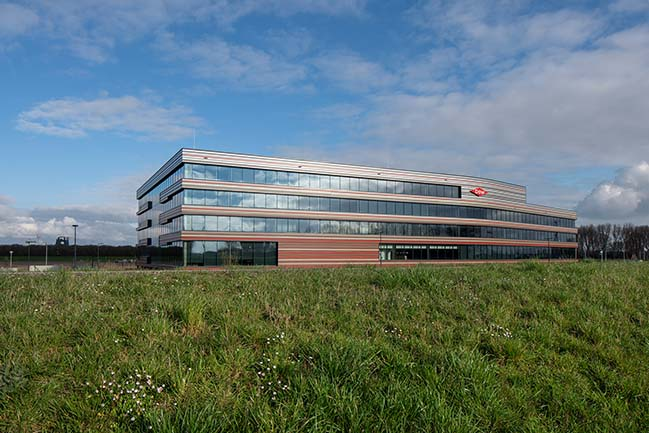 Dow Benelux Headquaters by GROUP A