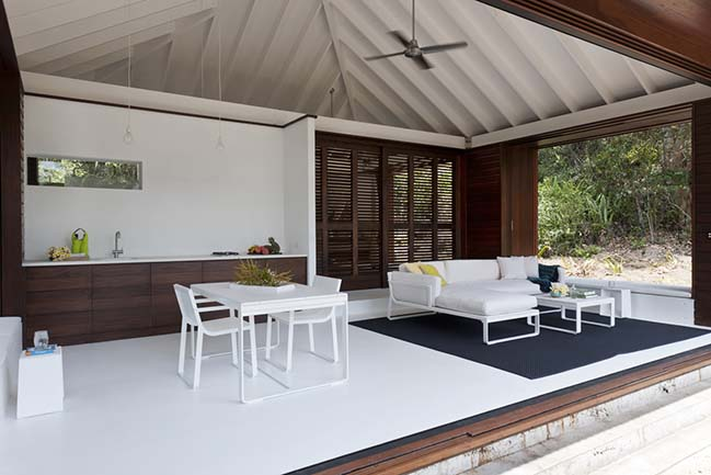 Tropical Beach House by Renato D'Ettorre Architects