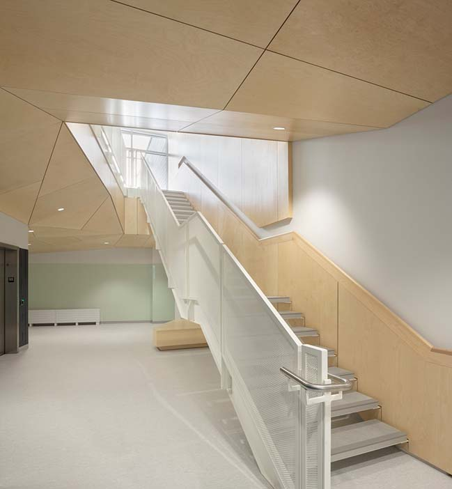 Metis Beach Intermediate School by PROULXSAVARD + CCM2 architects