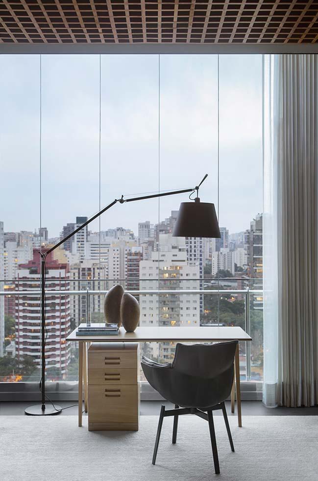 Grid House by Studio Guilherme Torres