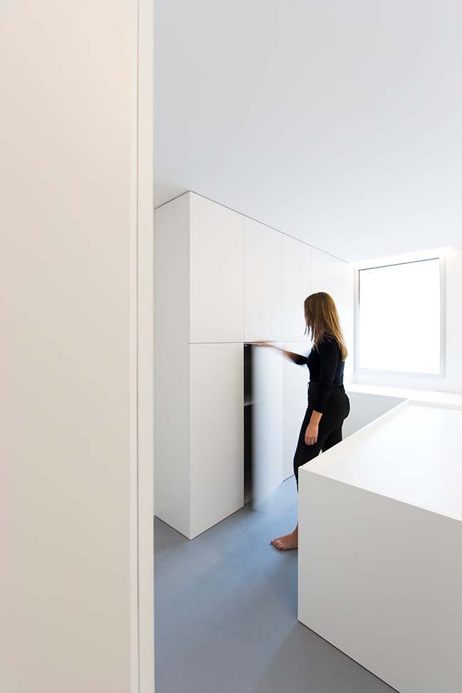 The Fourth Room by Fran Silvestre Arquitectos