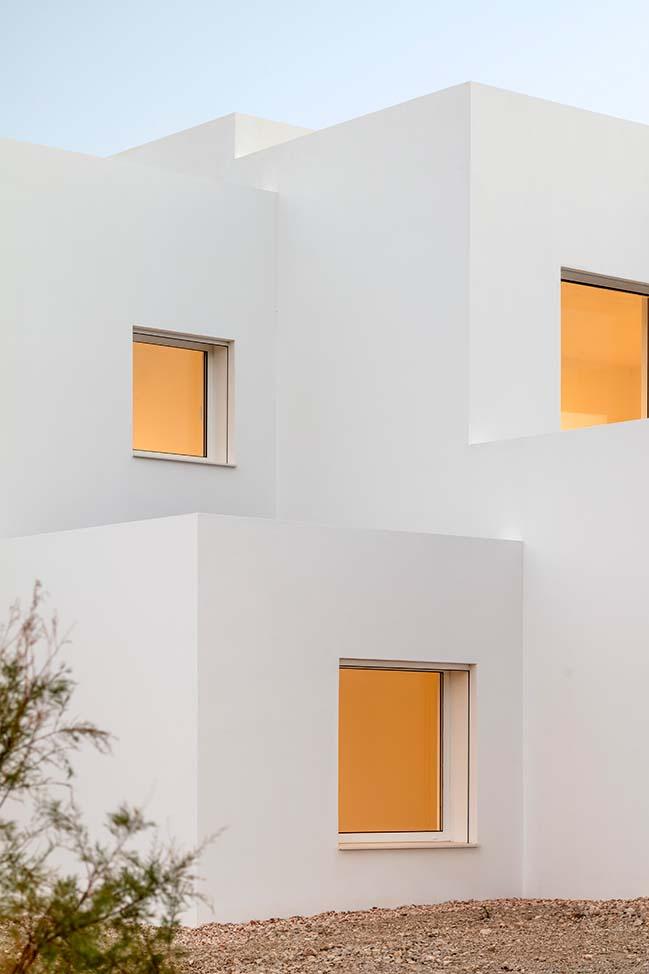 Villa Catwalk by Nomo Studio