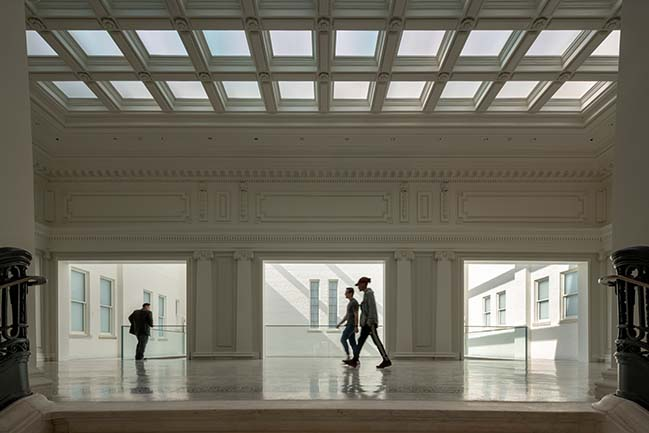 New Apple Store at Carnegie Library by Foster + Partners Opened