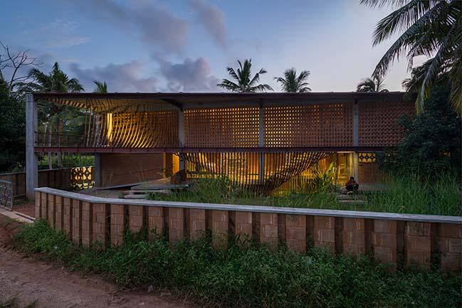 IHA Residence by Wallmakers