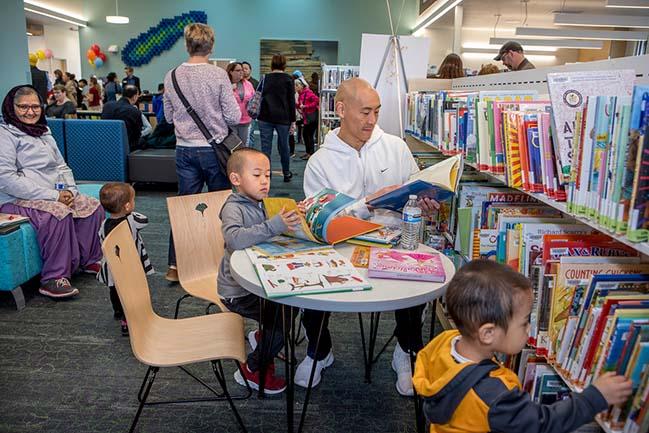 Kent Panther Lake Library by Fivedot