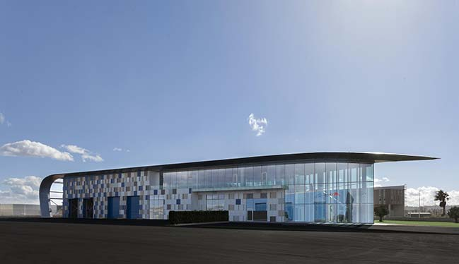 New Kortimed headquarters in Valencia by Pierattelli Architetture