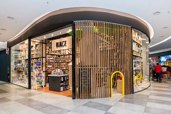 Quade: A bookstore in Córdoba by Estudio Montevideo