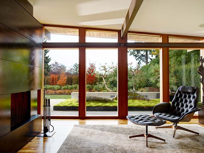 Art Collector Retreat in Bellevue by Rerucha Studio
