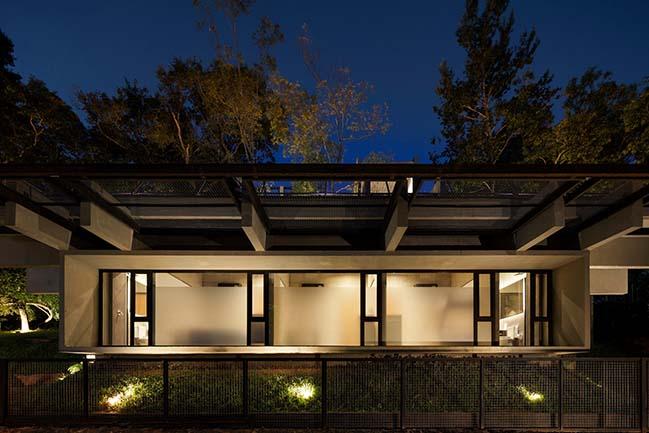 Hillside House in San Bernardino by Bauen