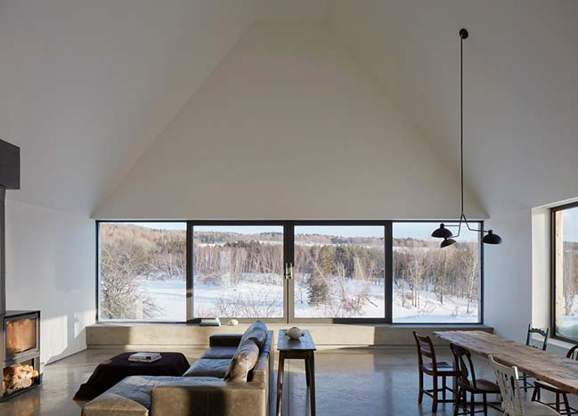Hatley House by Pelletier de Fontenay