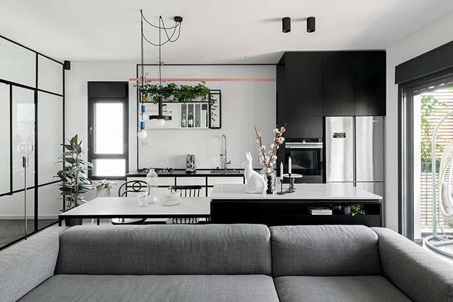 J3 Apt: Black and White Apartment in Tel Aviv by Studio ETN