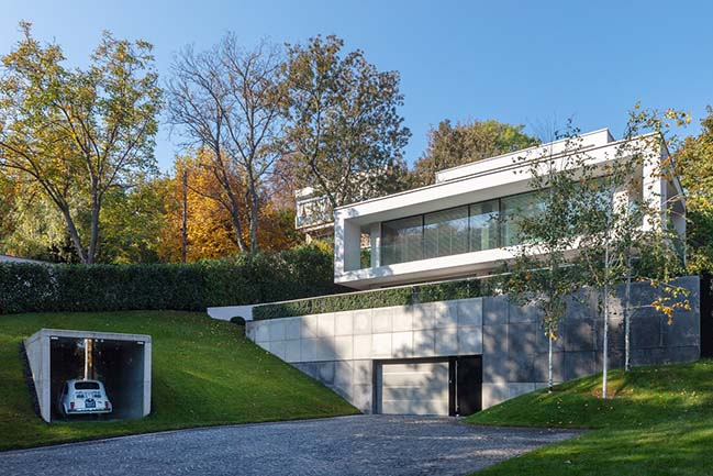 Villa Cinquecento by NAPUR Architect Ltd.