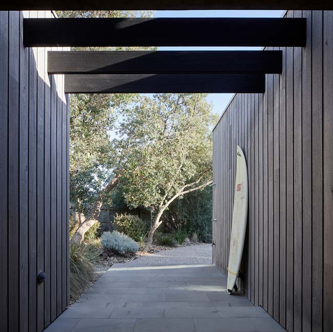Hidden House in Inverloch by Andrew Child Architecture