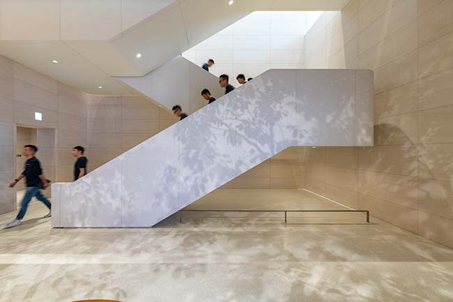 Apple Xinyi A13 - An inviting pavilion in the heart of Taipei by Foster + Partners