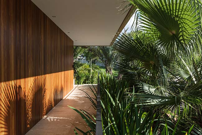 RV3 House by Aguirre Arquitetura