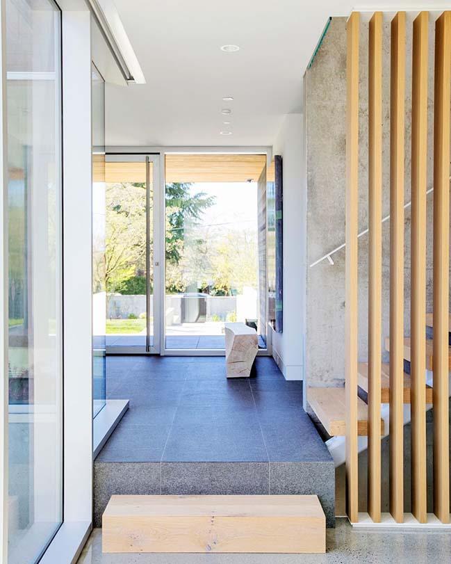 Marine Crescent Residence by Evoke International Design
