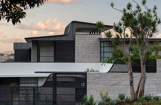 Hill House by Luigi Rosselli Architects