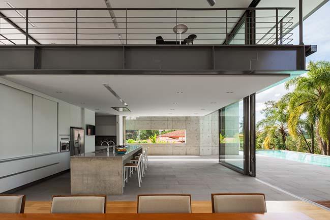 House LLM by Obra Arquitetos