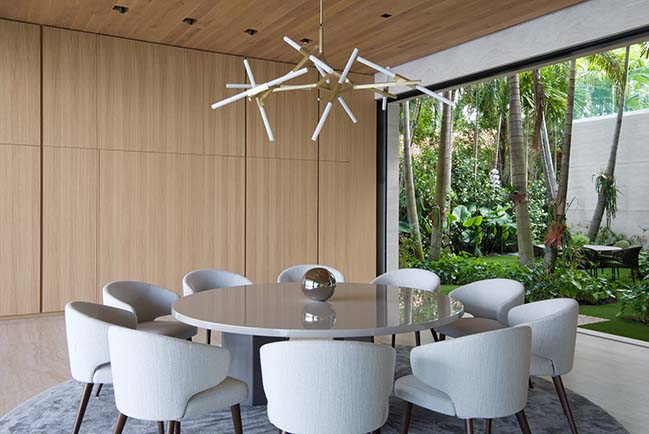 Bal Harbour House by Oppenheim Architecture
