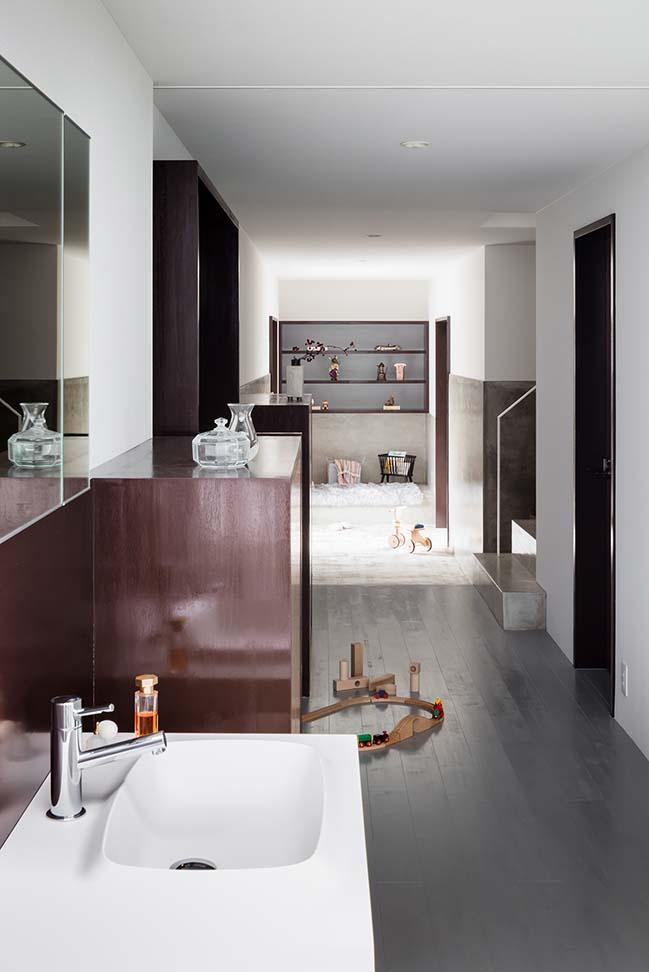 Slender House by FORM / Kouichi Kimura Architects