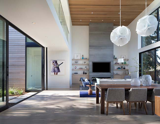 Courtyard House by John Lum Architecture