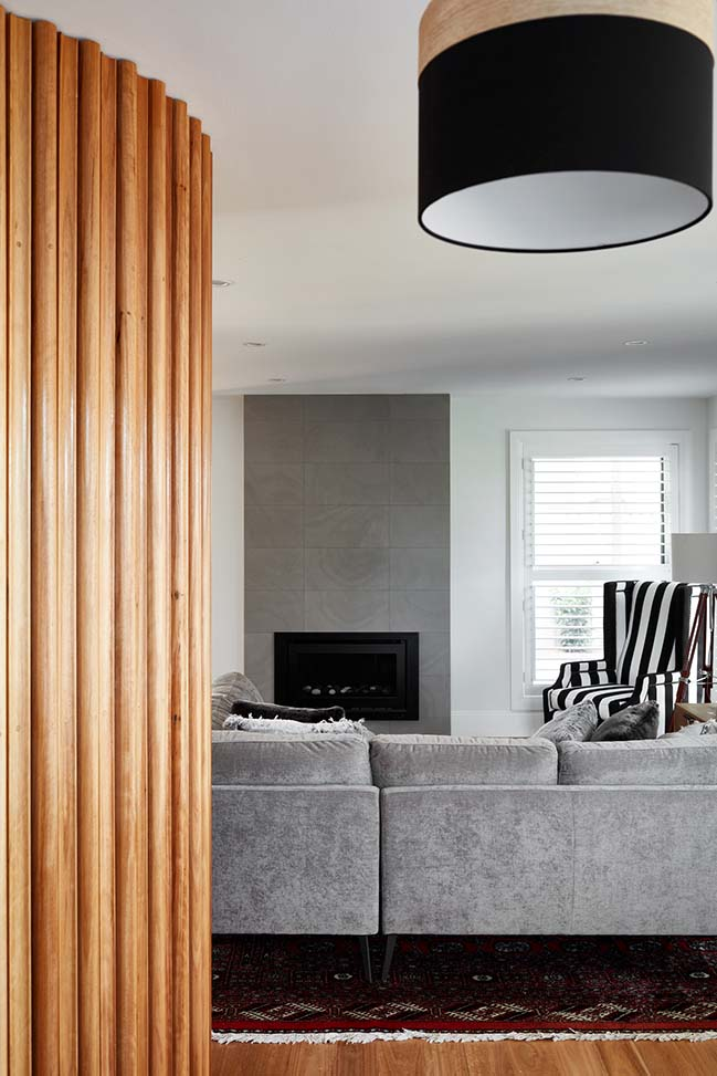 The Little Grey Granny with Curves by hobbs jamieson architecture