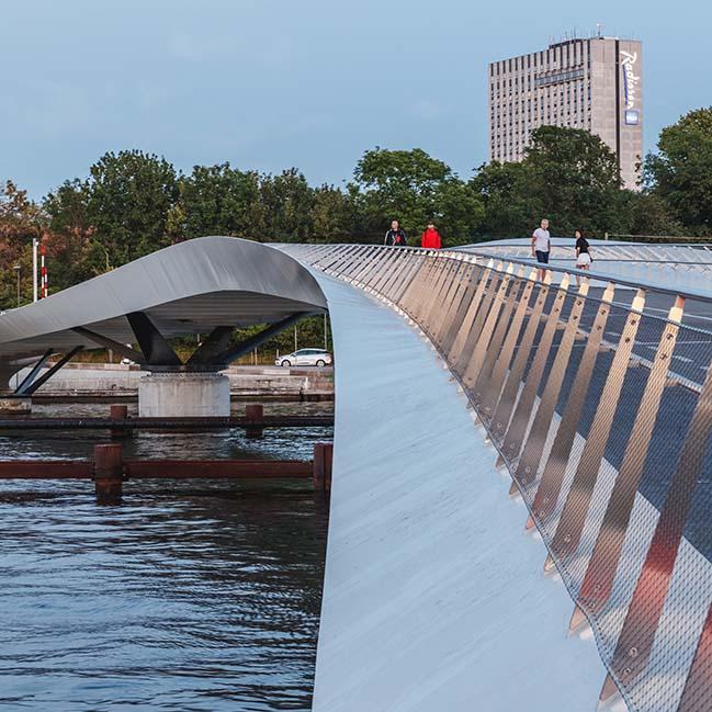 Lille Langebro: New cycle and pedestrian bridge in Copenhagen by WilkinsonEyre