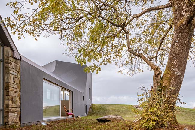 House in Inchigeelagh by Markus Schietsch Architekten GmbH
