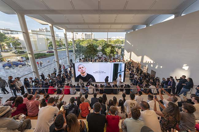 Foster + Partners and Apple Aventura create a new social focus for Miami