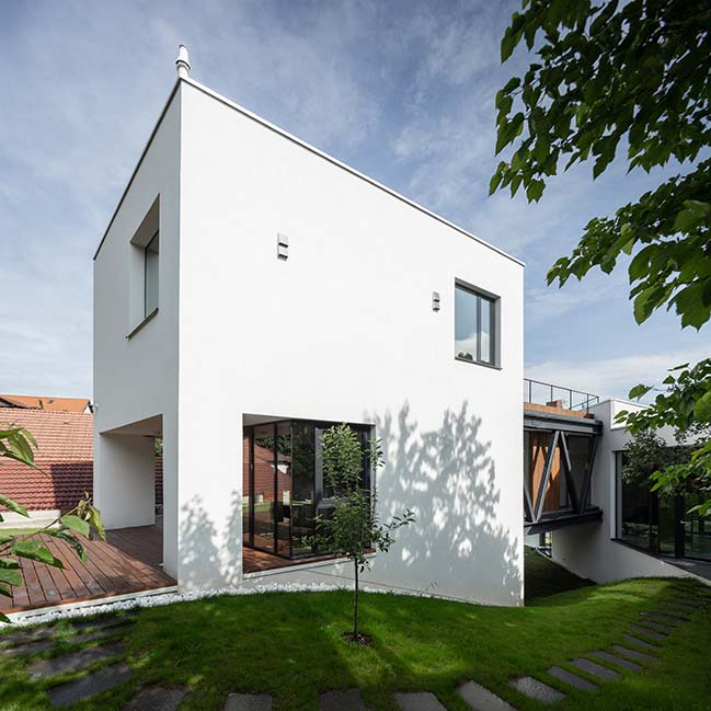 MM House by TECON