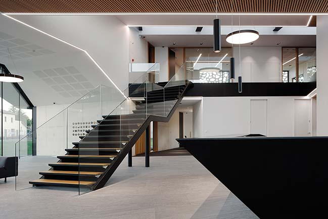 Cepovett Headquarters by au*m architects
