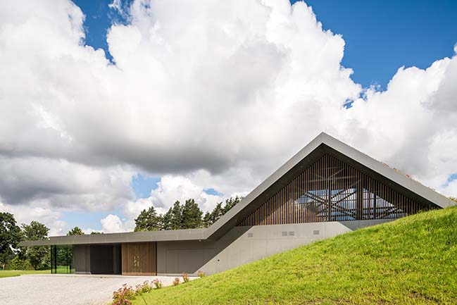 Green Line: Villa in Warmia by Mobius Architekci