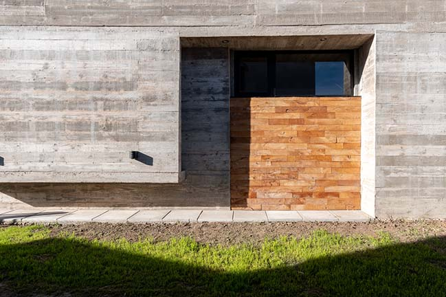 House 354 by Pinasco / Pinasco Arquitectos