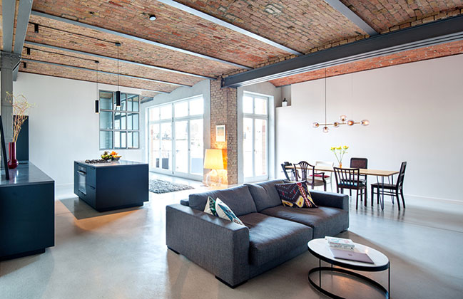 Reichenbergerstrasse Apartment by ALLENKAUFMANN