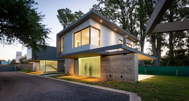 Housing H2 by IASE ARQUITECTOS